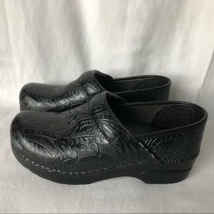 Dansko professional tooled leather clogs size 37